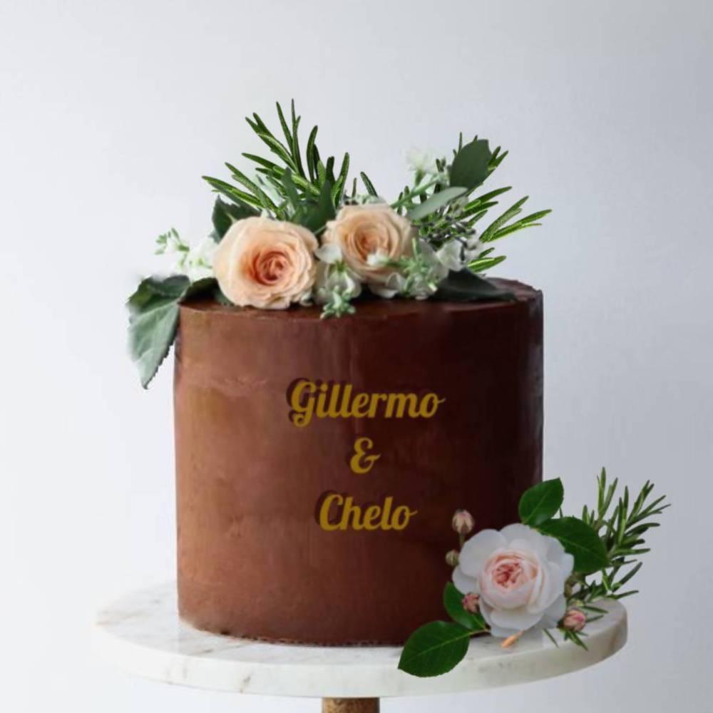 Tarta Tarta negra con flores